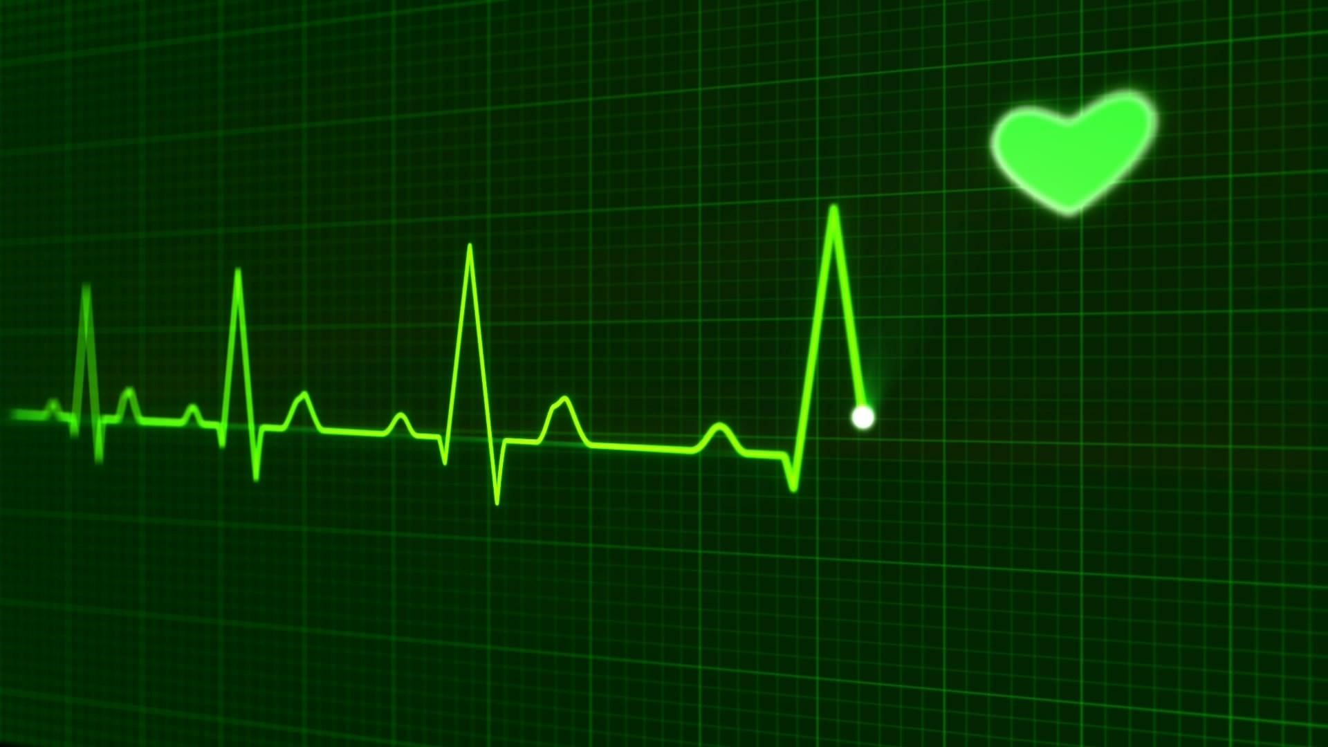 O exagero das atividades aeróbicas e de força pode levar a alterações cardiovasculares, arritmia cardíaca ou mesmo ao infarto durante uma sessão de exercícios.