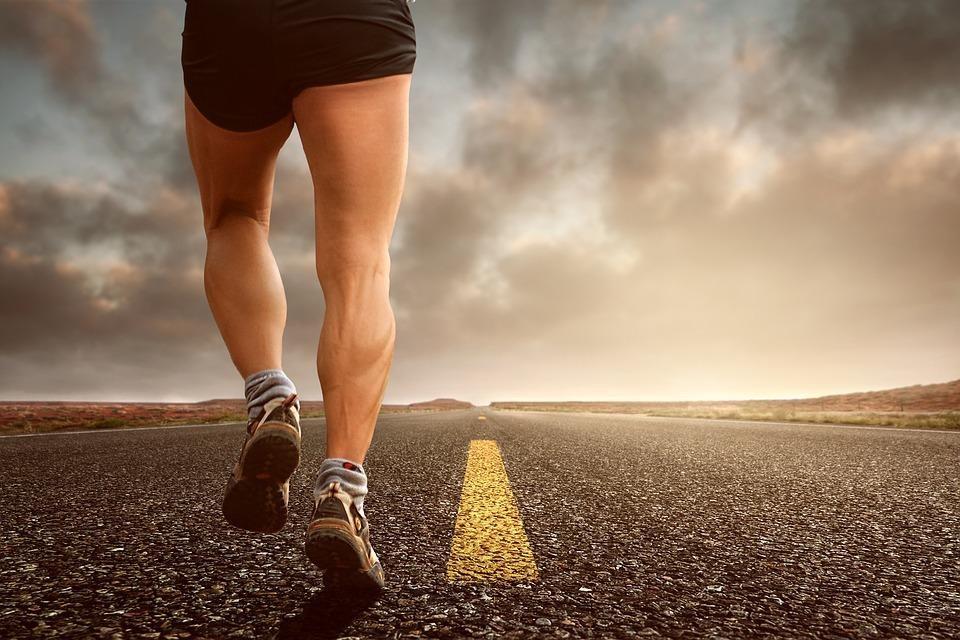 O estiramento muscular é um alongamento excessivo e repentino das fibras que compõem os músculos de qualquer parte do corpo.
