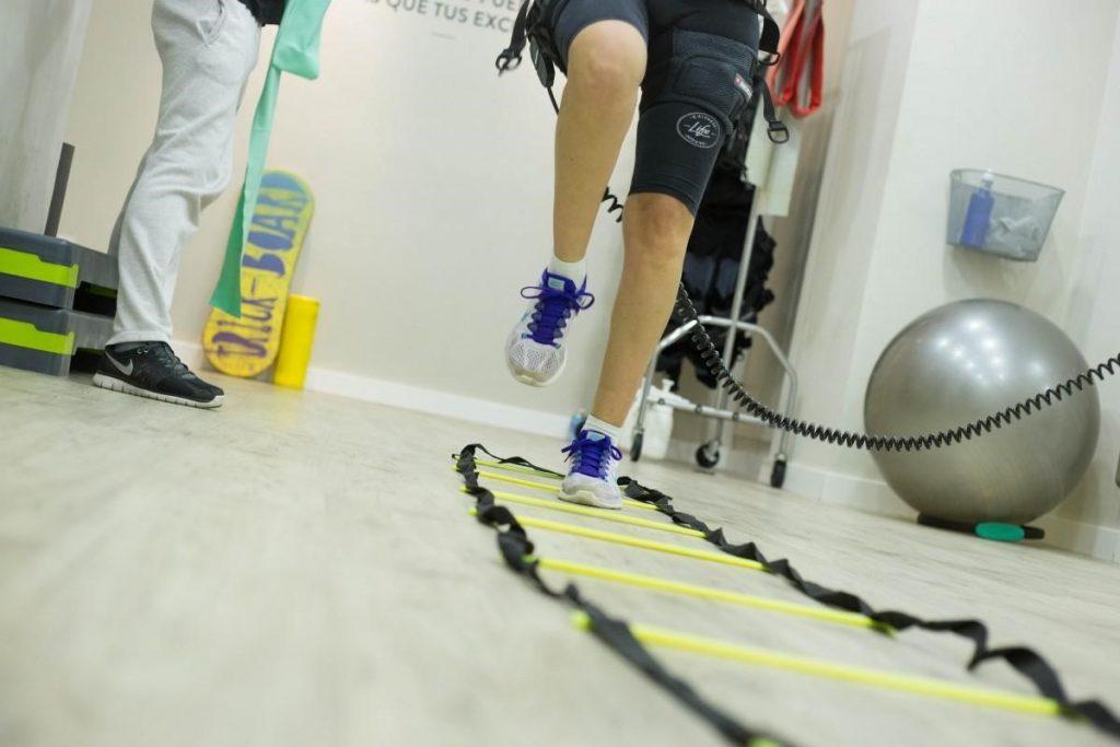 """A fisioterapia unida à academia torna mais rápida a recuperação de lesões e evita que o indivíduo fique """"fora de combate""""."""